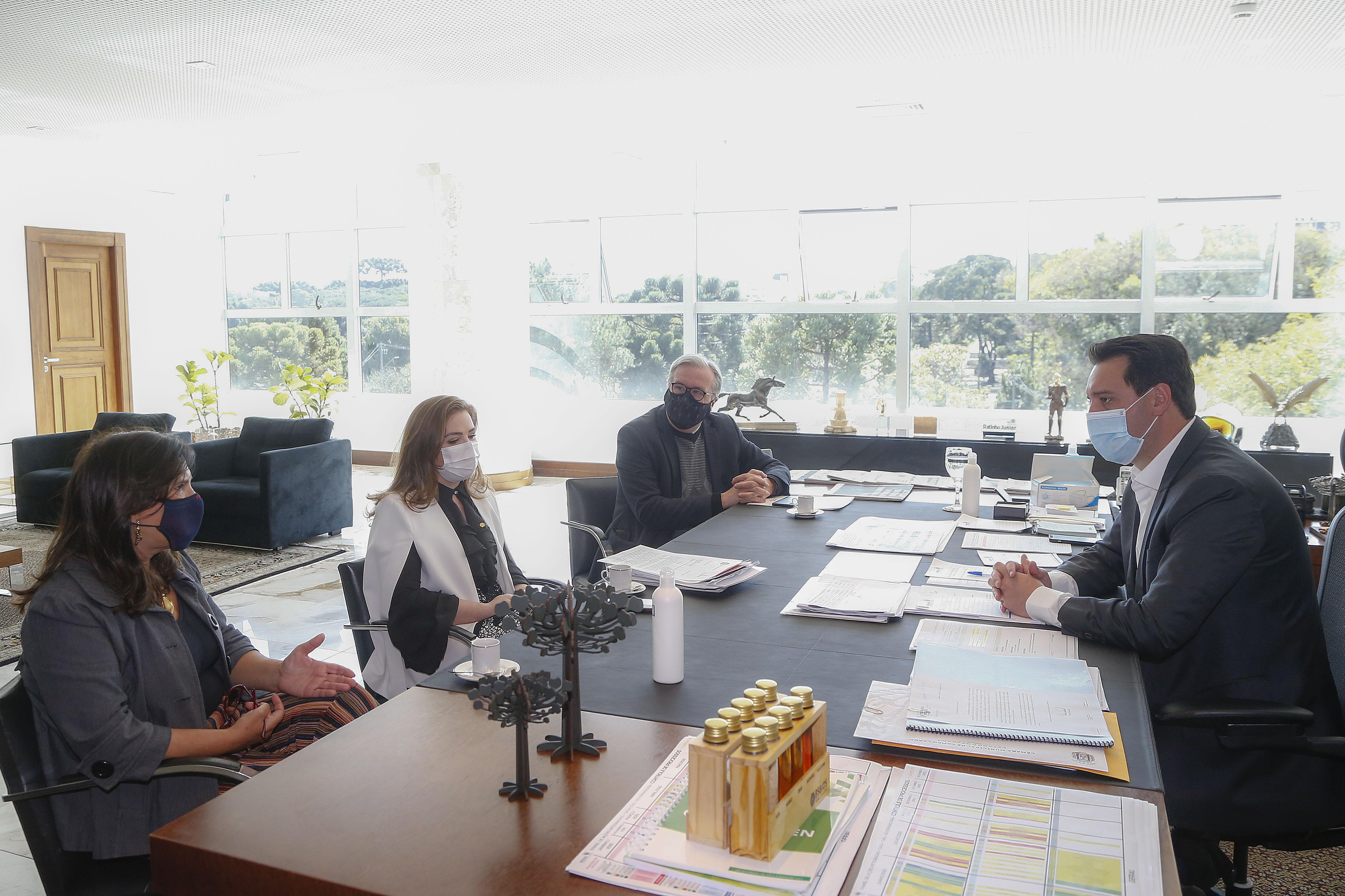 Projeto Cidadãs da Paz é apresentado ao Governador do Paraná