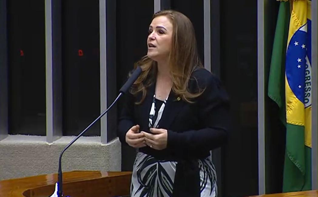 Deputada Leandre defende piso salarial para a enfermagem